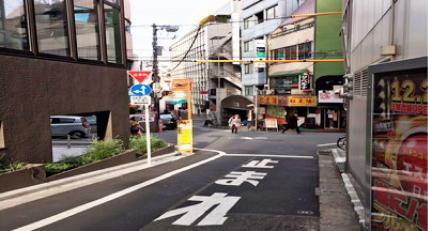 BSホールまでの道(早稲田通り)